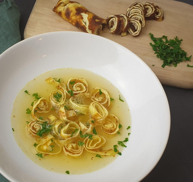 Pfannkuchen Suppe (LowCarb)