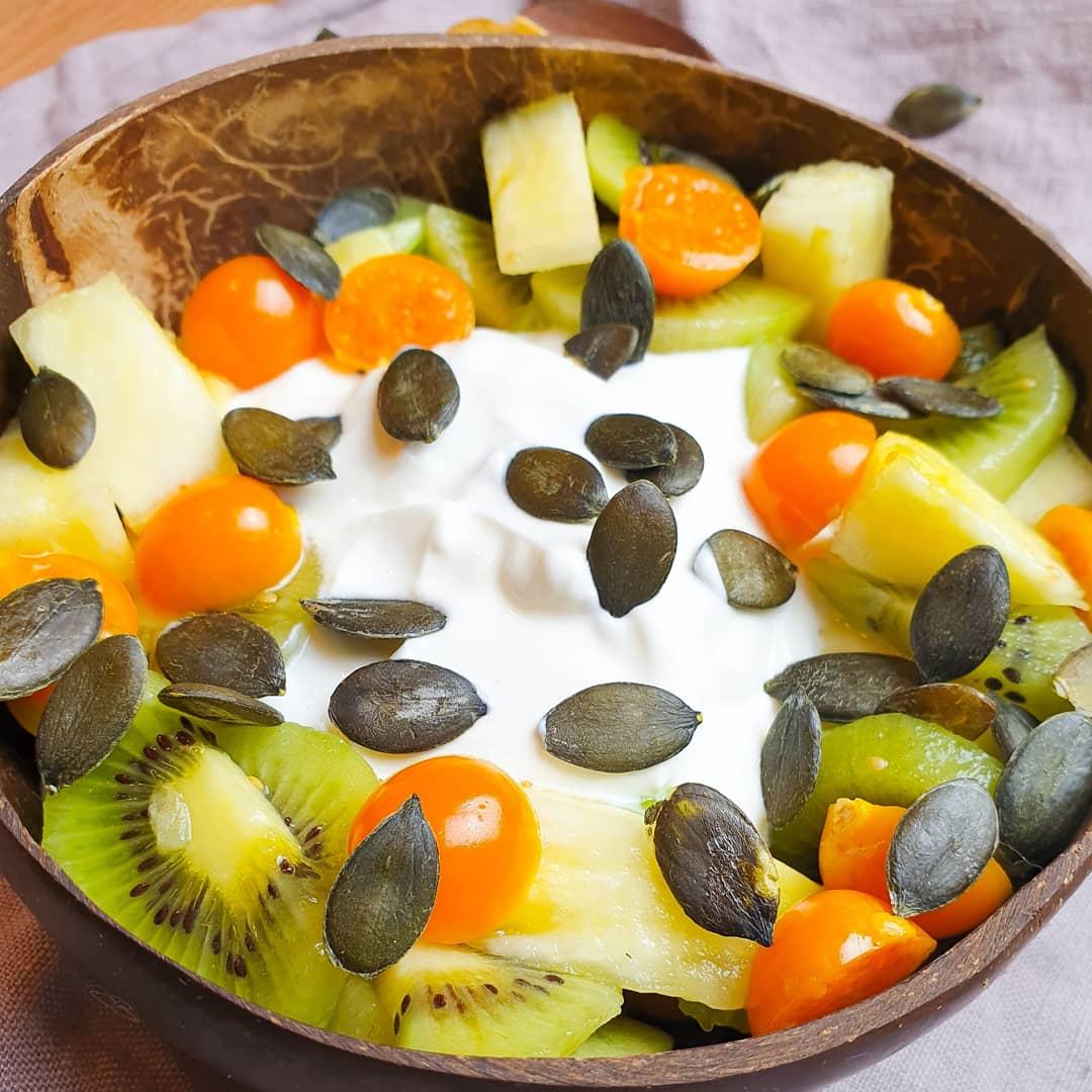Joghurtbowl mit Früchten