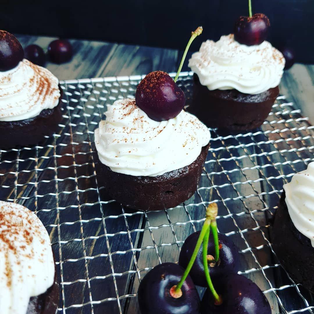 Schoko-Kirsch Cupcakes