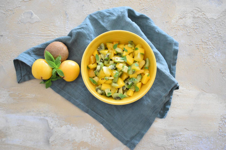 Exotischen Fruchtsalat mit Avocado