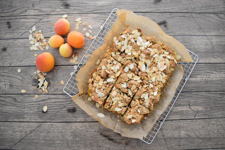Aprikosen-Mandelstreuselkuchen