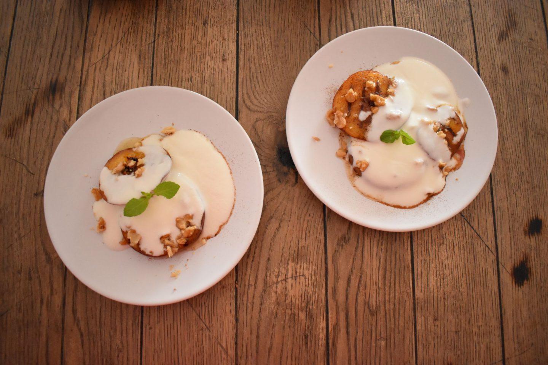 Joghurt mit gegrilltem Pfirsich